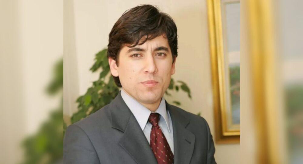 AK Parti Bergama İlçe Başkanı Güven Yakar, işlerinin yoğunluğu nedeniyle görevinden istifa ettiğini duyurdu.