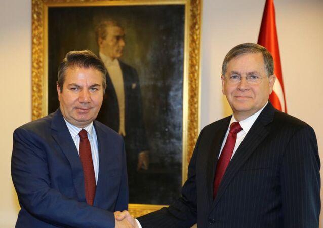 Dışişleri Bakan Yardımcısı Büyükelçi Sedat Önal, ABD'nin yeni Ankara Büyükelçisi David Satterfield'ı kabul etti.