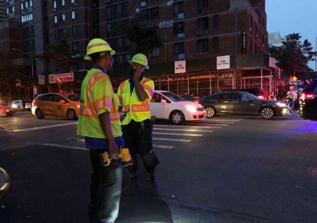 Manhattan'da elektrik kesintisi hayatı felç etti