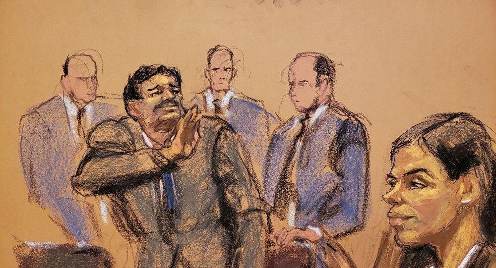 Dünyanın en büyük uyuşturucu örgütünün elebaşı olmakla suçlanan El Chapo (cüce) lakaplı Joaquin Guzman