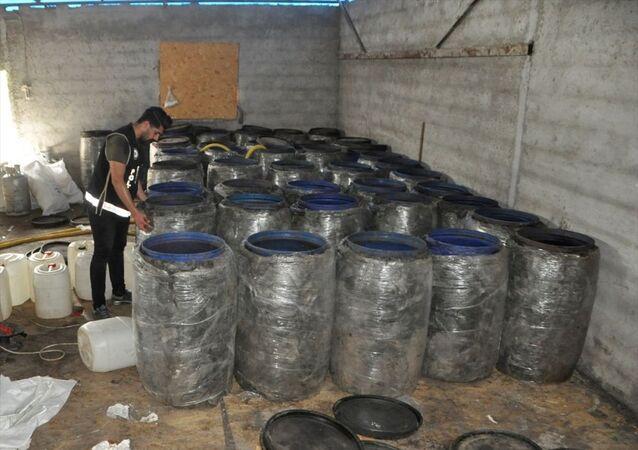 Adana'da sahte içki imalathanesine operasyon