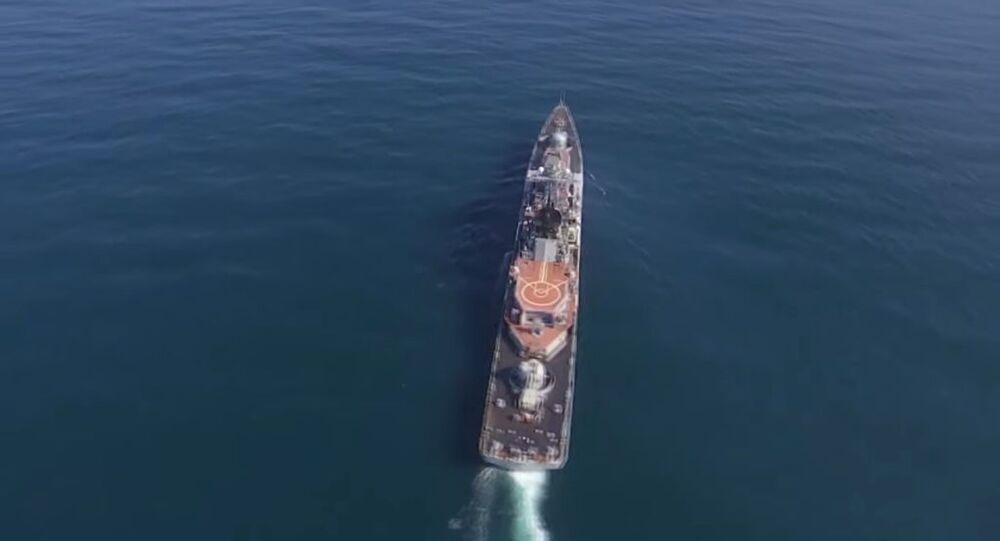 Rus savaş gemileri süpersonik Moskit füzeleri ile belirlenen hedefi imha etti