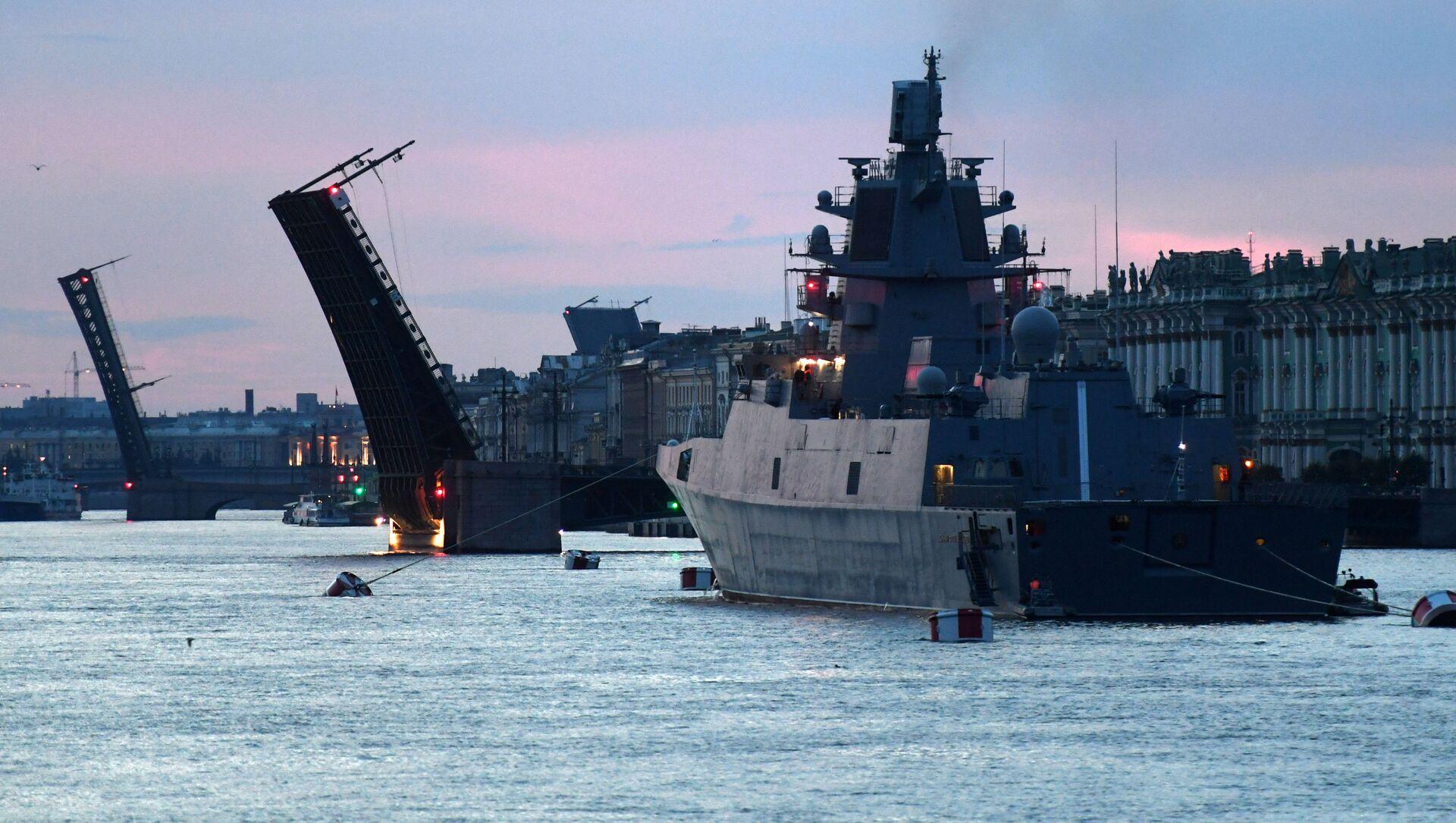 St. Petersburg'da Rusya Deniz Kuvvetleri Günü hazırlıkları - Sputnik Türkiye, 1920, 27.07.2021