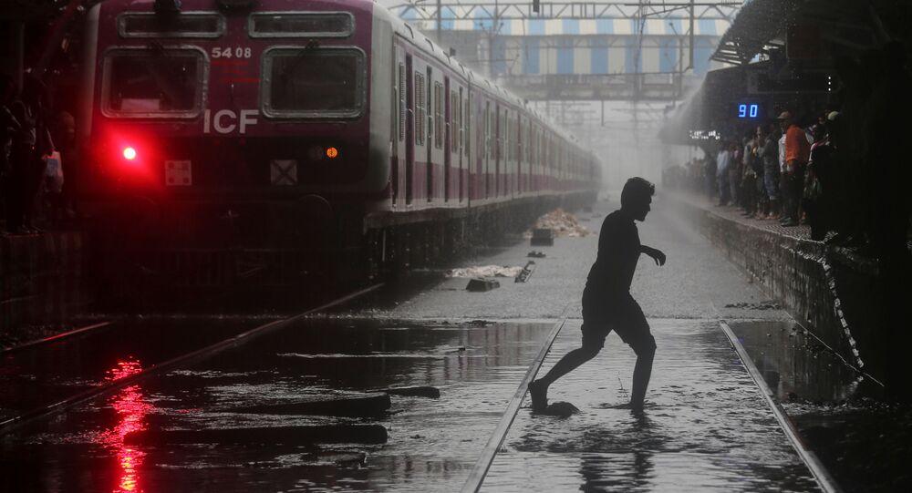 Hindistan'da muson yağmur sel