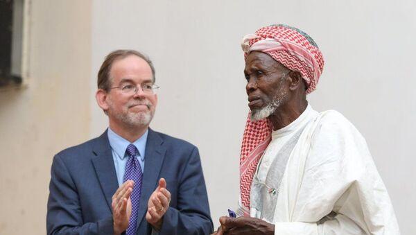 Batı Afrika ülkesi Nijerya'da yaşanan silahlı çatışma esnasında kaçan 262 Hristiyan'ı camisinde koruyan 83 yaşındaki imam Abdullahi Ebubekir - Sputnik Türkiye