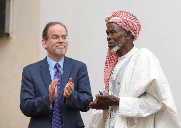 Batı Afrika ülkesi Nijerya'da yaşanan silahlı çatışma esnasında kaçan 262 Hristiyan'ı camisinde koruyan 83 yaşındaki imam Abdullahi Ebubekir