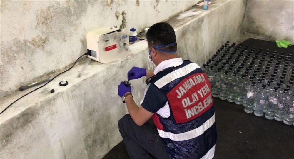 Arnavutköy'de sahte içki imalathanesine operasyon