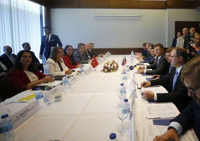 Türkiye-Rusya İş Forumu ile Türkiye-Rusya Hükümetlerarası 16. Dönem KEK Toplantısı İmza Töreni