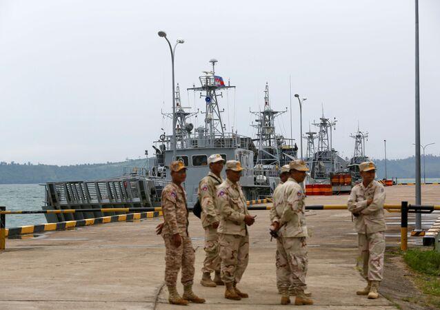 Kamboçya'nınÇin'e verdiği iddia edilen Ream Deniz Üssü gazetecilere açıldı.