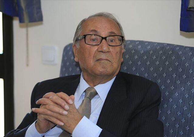 Eski TBMM Başkanı ve İstanbul Milletvekili Ahmet Ferruh Bozbeyli