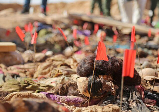 Irak'ın devrik lideri Saddam Hüseyin döneminde öldürülen Kürtlere ait toplu mezar bulundu.