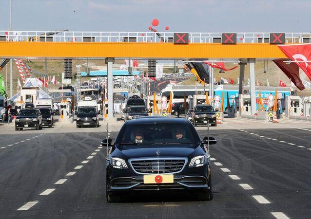 Türkiye Cumhurbaşkanı Recep Tayyip Erdoğan, İstanbul-İzmir Otoyolu açılış törenine katıldı