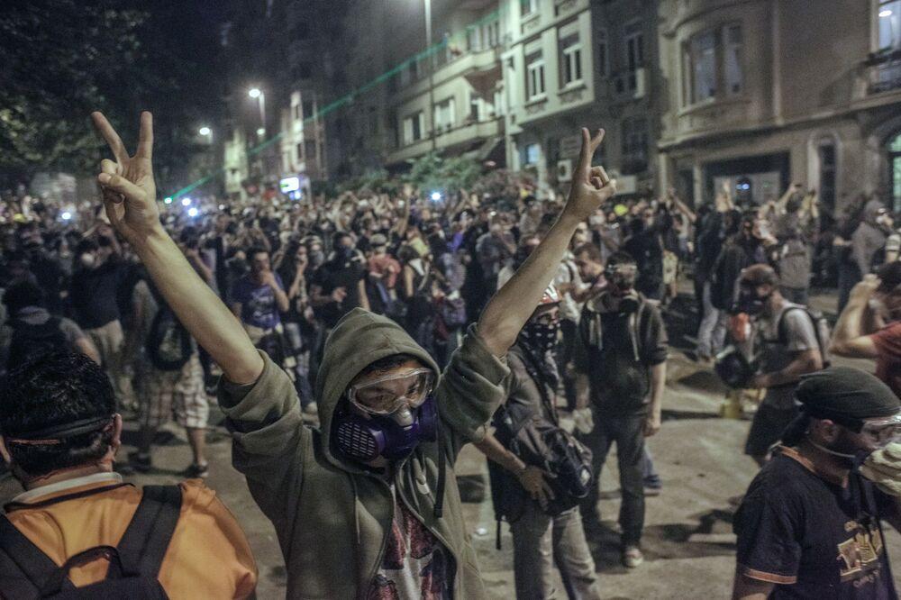 Gezi Parkı gösterilerinden bir kare.