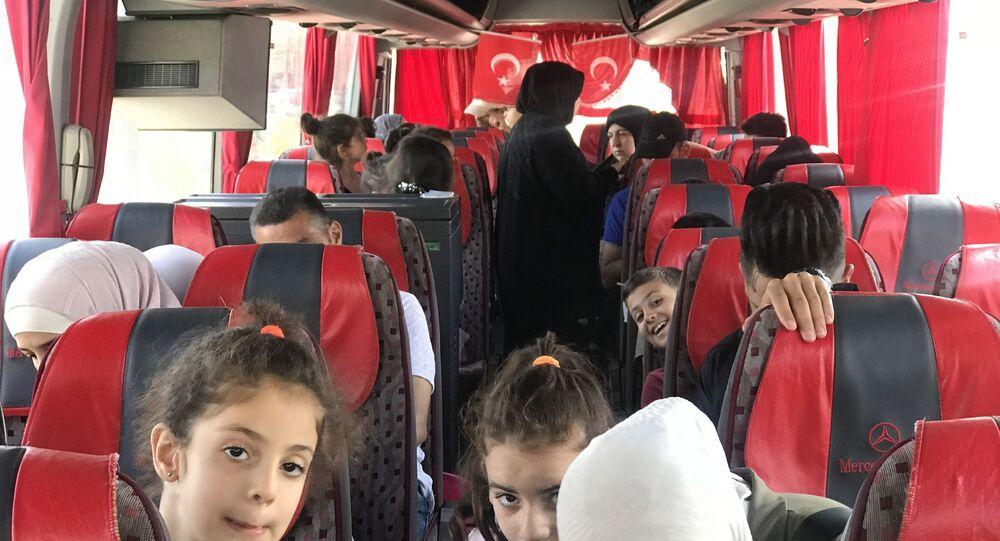 Esenyurt Belediyesi 115 Suriyeliyi daha ülkelerine yolcu etti.