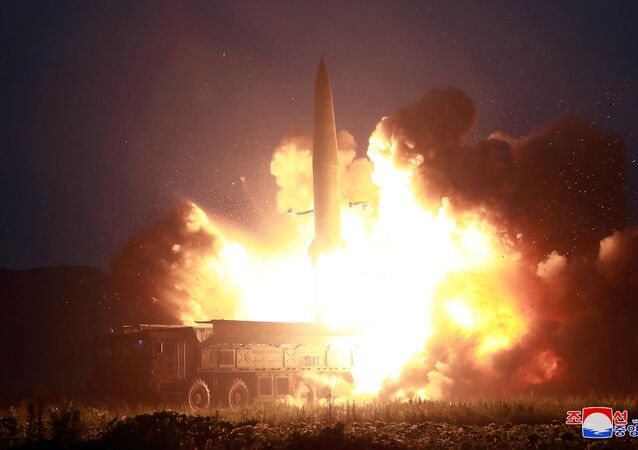 Yaklaşık 37 kilometre irtifa kazanan füzelerin 450 kilometreye yakın yol kat ettiği belirtildi.