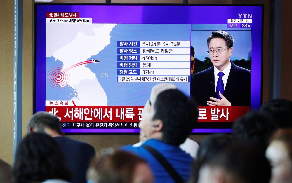 ABD yapımı F-35A savaş uçaklarının Güney Kore'ye gizlice götürülmesi, nükleer yakıtla çalışan bir Amerikan denizaltısının, Güney Kore limanına uğraması da Kuzey Kore'nin tepkisini çekmişti.