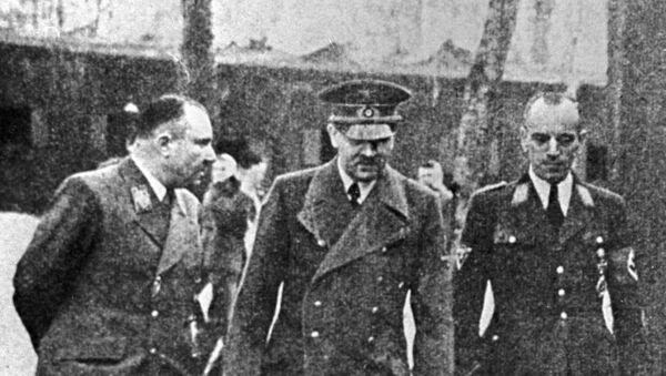 Martin Bormann, Adolf Hitler, Erwin Kraus - Sputnik Türkiye