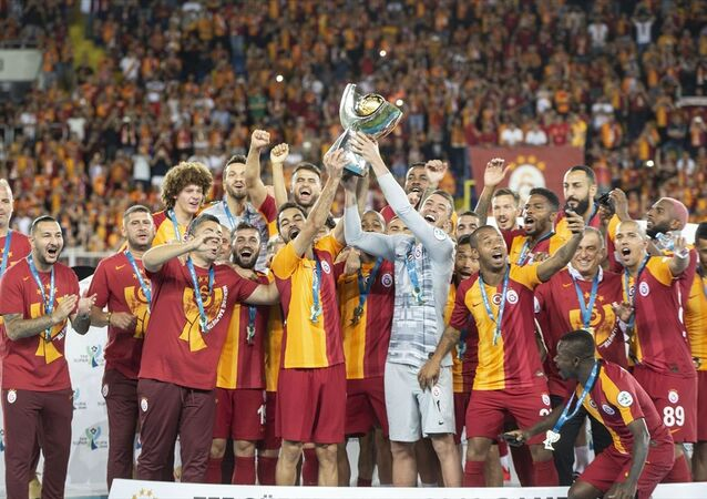 Galatasaray, TFF Süper Kupa'nın sahibi oldu.