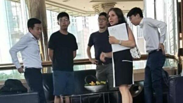 Joshua Wong - Julie Eadeh - Sputnik Türkiye
