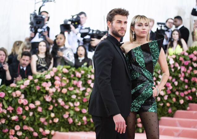 Miley Cyrus- Liam Hemsworth