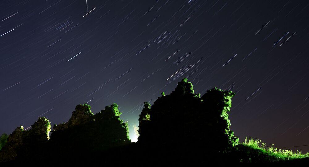 12-13 Ağustos gecesi çıplak gözle görülebilen halk arasında 'yıldız kayması' olarak da bilinen göktaşı yağmuru.