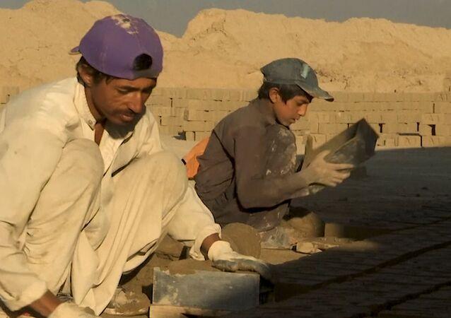 Afganistan'da çocuk olmak