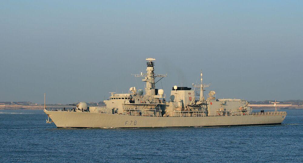 İngiltere Kraliyet Donanması HMS Kent savaş gemisi