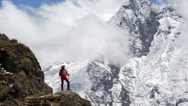 Everest Dağı - dağcı - Sputnik Türkiye