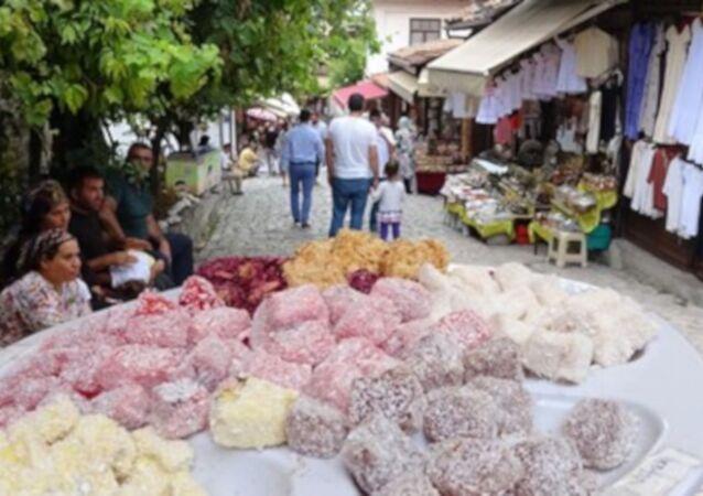 Safranbolu'da dükkan önünde lokum ikramına yasak