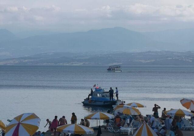 Sinop'ta denizde 'kopmuş insan bacağı' iddiası araştırılıyor