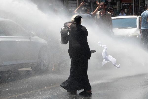 Diyarbakır'da kayyum protestosuna müdahale - Sputnik Türkiye