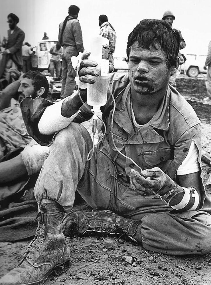 8 yıl süren Irak-İran savaşı, galibi olmayan ama bir milyon insanın hayatını kaybettiği bir felaket olarak tarihin kayıtlarına geçti.