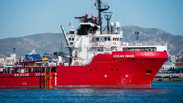 Fransız sivil toplum kuruluşları MSF ve SOS Mediterranee tarafından idare edilen Ocean Viking gemisi - Sputnik Türkiye