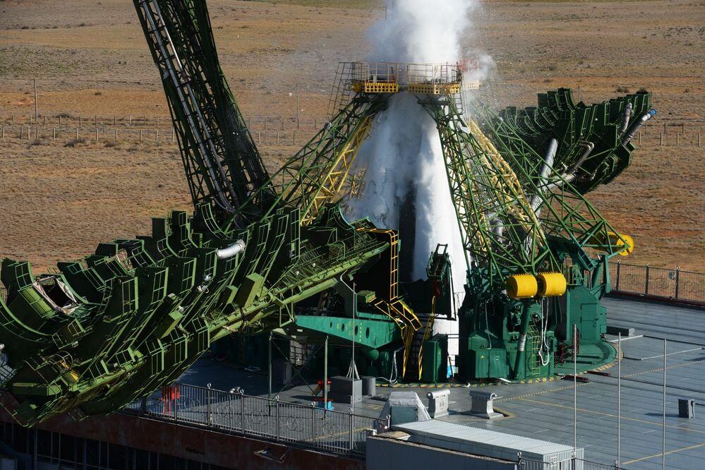 Fırlatma işlemi, planlandığı gibi Moskova saatine göre 06.38'de (TSİ: 06.38) gerçekleştirildi.