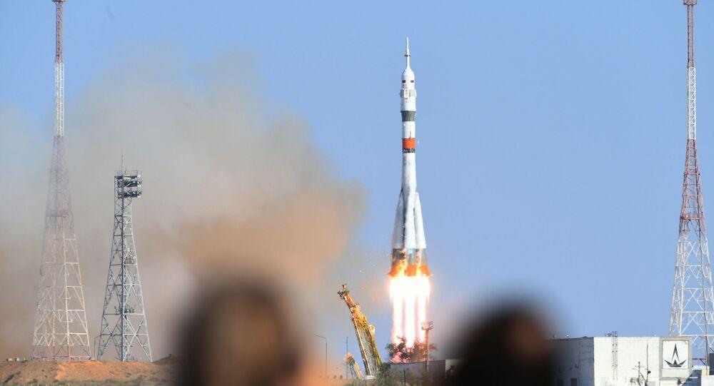 Rusya'nın yeni ismi Skybot F-850 olan insansı robotu FEDOR bu sabah, yeni Soyuz-2.1a kargo füzesi ile uzaya fırlatılan Soyuz MS-14 uzay aracı ile UUİ'ye olan yolculuğuna başladı.