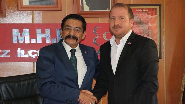 Kepez İlçe Başkan Yardımcısı Özgür Avcı, MHP Kepez İlçe Başkanı Mehmet Seyyar - Sputnik Türkiye