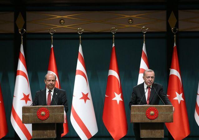 Cumhurbaşkanı Recep Tayyip Erdoğan, Kuzey Kıbrıs Başbakanı Ersin Tatar ile ortak basın toplantısı düzenledi.