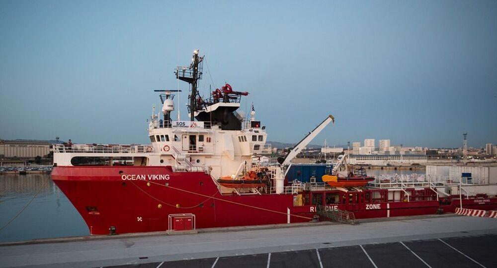 Sınır Tanımayan Doktorlar Örgütü ve SOS Akdeniz tarafından idare edilen Ocean Viking gemisi