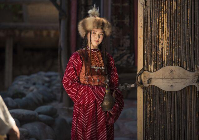 Kırgızistan'da güzellik ve modanın tarihi