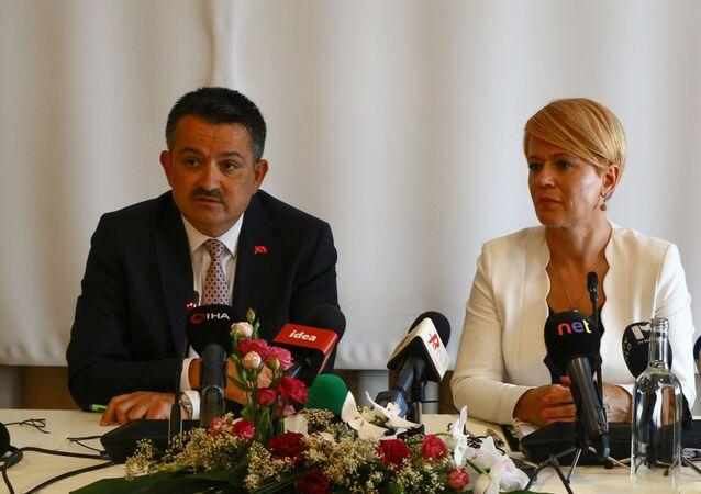 Tarım ve Orman Bakanı Bekir Pakdemirli, Slovenya Tarım Orman ve Gıda Bakanı Aleksandra Pıvec