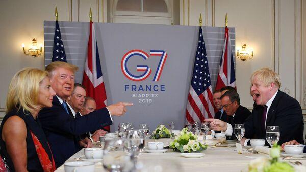 Donald Trump- Boris Johnson - Sputnik Türkiye