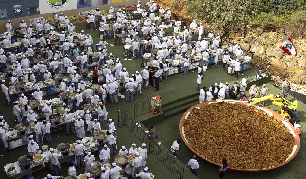 2010'da Lübnan, 300 kişinin yapımına katkıda bulunduğu 5 bin 173 kilo falafelle rekor kırıp Guinness Dünya Rekorlar Kitabı'na girdi.