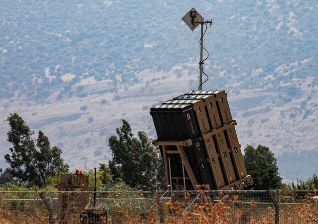 İsrail'in Demir Kubbe savunma sisteminin bataryası