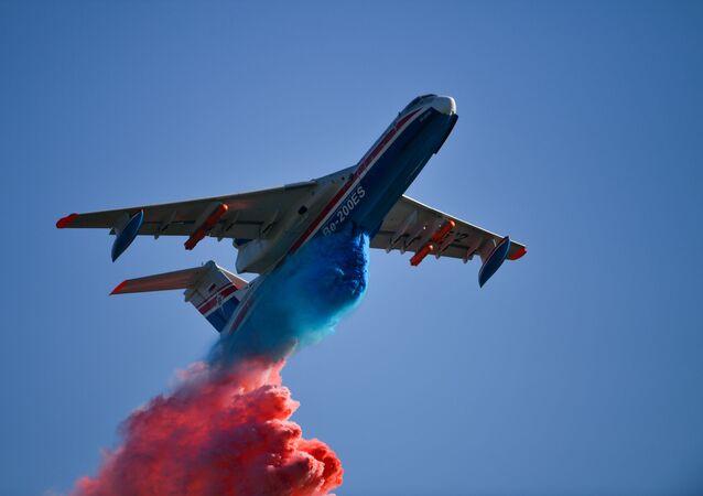 Uluslararası Havacılık Fuarı MAKS-2019'da gösteri uçuşunu gerçekleştiren Rus yapımı Be-200ES  amfibi uçağı