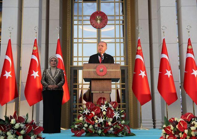 Cumhurbaşkanı Recep Tayyip Erdoğan, 30 Ağustos Zafer Bayramı dolayısıyla Cumhurbaşkanlığı Külliyesi'nde verilen resepsiyonda konuştu.