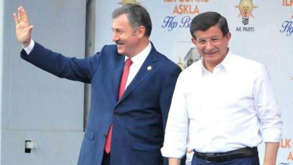 Selçuk Özdağ - Ahmet Davutoğlu - Sputnik Türkiye