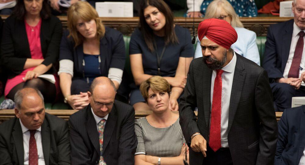 İngiltere'de muhalefette olan İşçi Partisi'nin Sih milletvekili Tanmanjeet Singh Dhesi