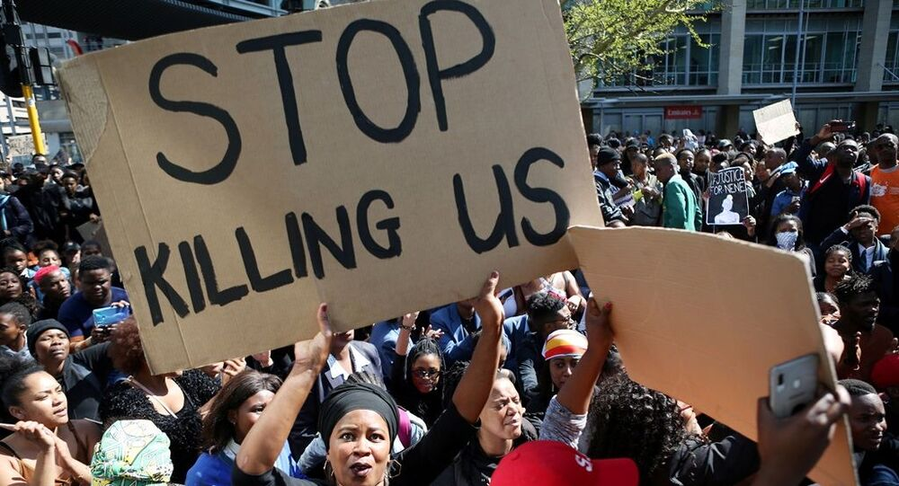 Güney Afrika'daki kadına yönelik şiddet olayları protestosu
