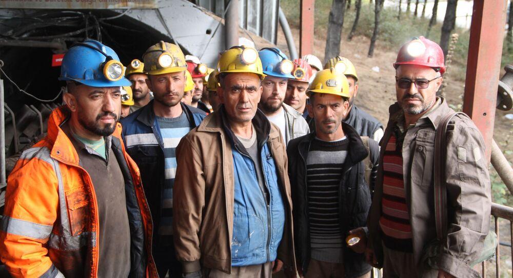Maden işçileri açlık grevine başladı