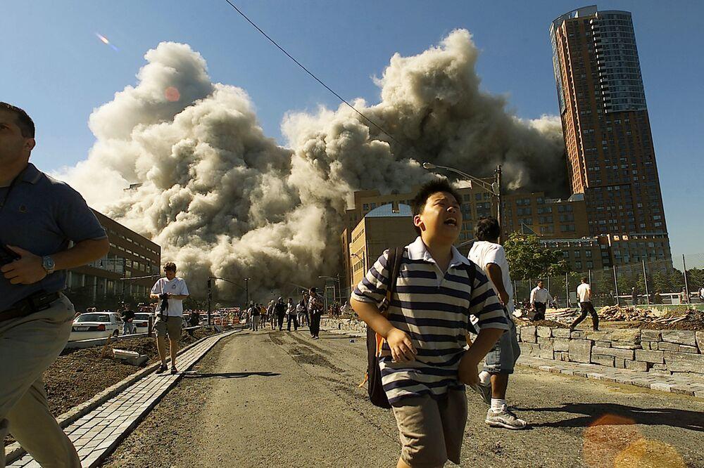 Saldırının yapıldığı anda panik içinde kaçışan New York sakinleri.